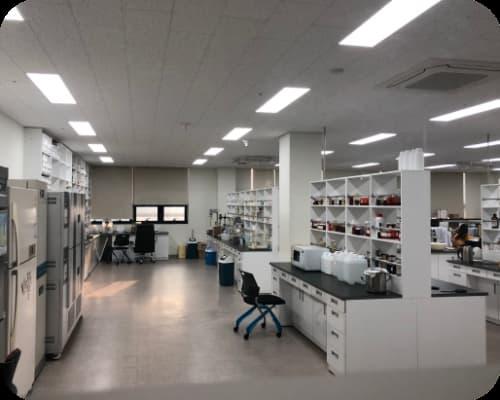 Phòng lab nghiên cứu gia công mỹ phẩm